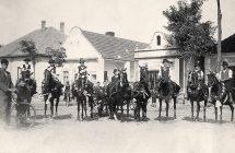 Nagymegyeri harangszentelő lovasai, 1936